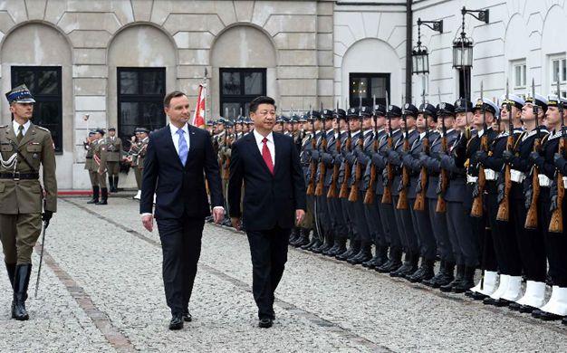 習近平出席波蘭總統舉行的歡迎儀式