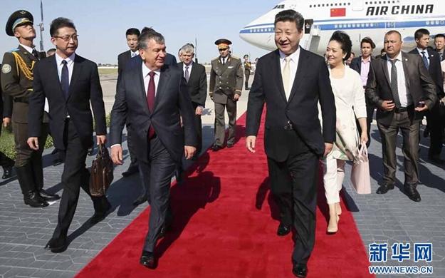 習近平開始對烏茲別克斯坦進行國事訪問並出席上合峰會