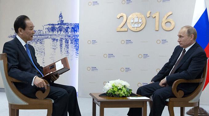 俄羅斯總統普京接受新華社社長蔡名照獨家專訪