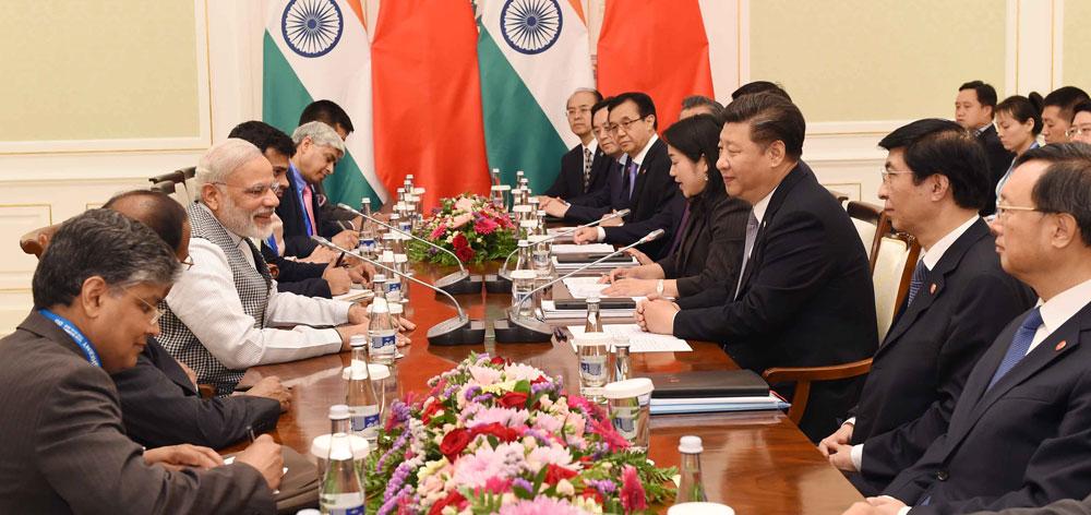 習近平會見印度總理莫迪