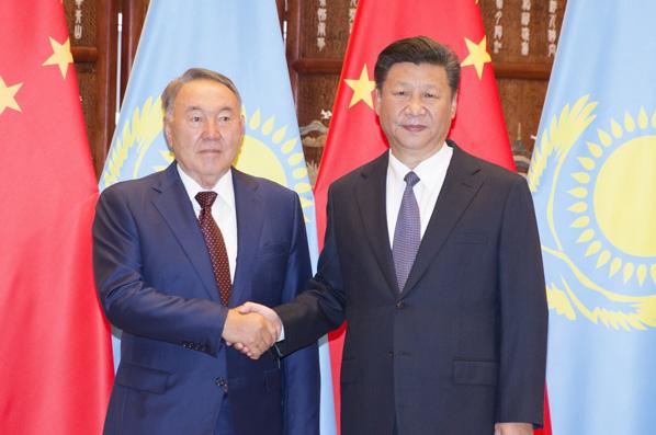 習近平同哈薩克斯坦總統納扎爾巴耶夫舉行會談