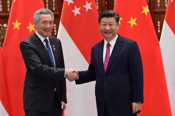習近平會見新加坡總理李顯龍