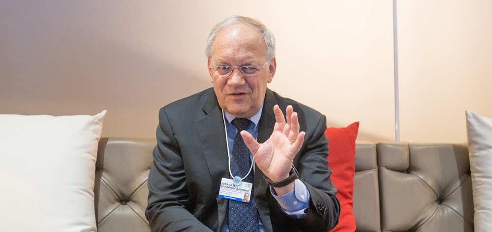 """瑞士希望搭乘中國發展的""""快車""""——訪瑞士聯邦委員兼經濟、教研部長施奈德-阿曼"""
