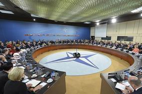 斯托爾滕貝格:北約各國防長強調跨大西洋關係重要性