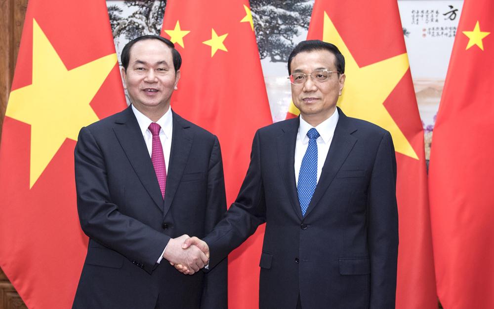 李克强会见越南国家主席陈大光