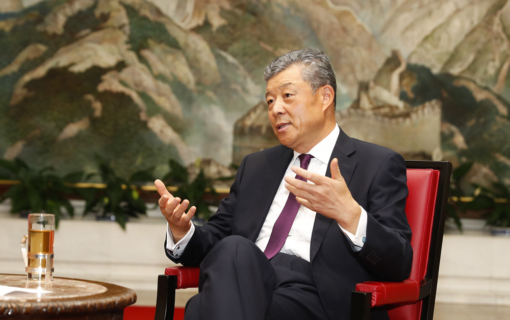 """专访:""""一带一路""""为中英合作带来""""黄金机遇""""——访中国驻英国大使刘晓明"""