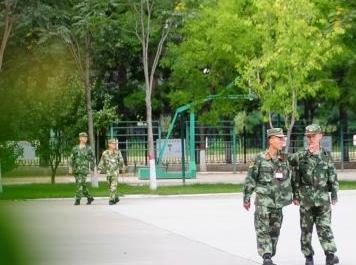武警山西總隊首批新兵入營