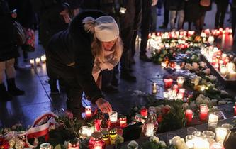 柏林民眾紀念聖誕市場恐襲一周年
