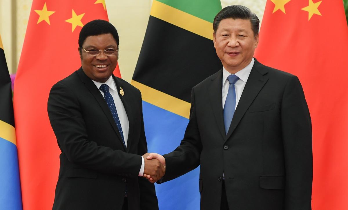 習近平會見坦桑尼亞總理馬賈利瓦