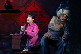 朝鮮版歌劇《白毛女》在平壤上演