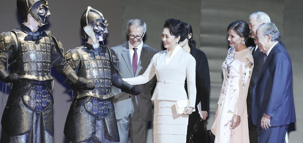 彭麗媛參觀西班牙皇家劇院