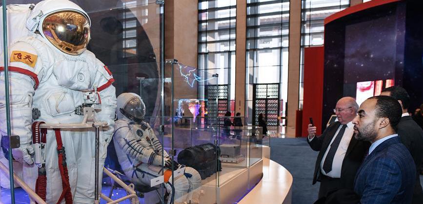 """""""伟大的变革——庆祝改革开放40周年大型展览""""迎来外宾专场"""