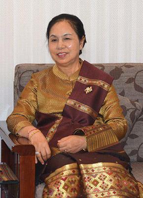 """专访老挝驻华大使:""""一带一路""""是一个具?#24615;?#35265;卓识的倡议"""