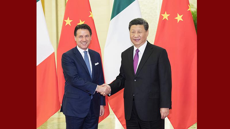 习近平会见意大利总理孔特