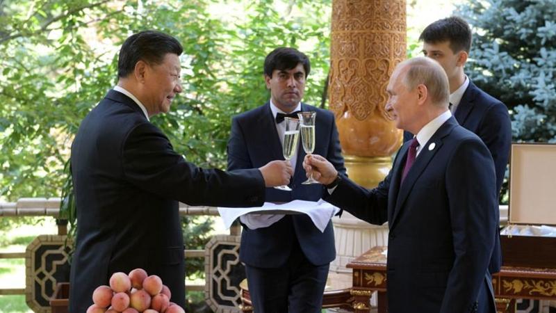 普京當面向習近平主席祝賀66歲生日