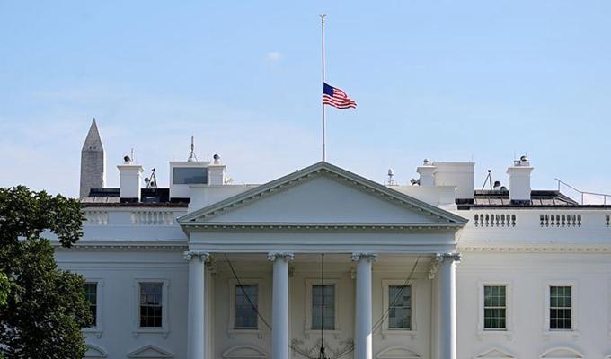 24小時內發生兩起重大槍擊事件 特朗普下令降半旗致哀