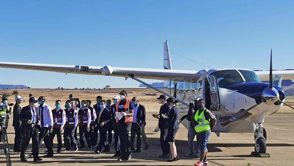 中國政府抗疫醫療專家組抵達萊索托