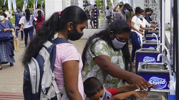 科倫坡在嚴格防疫措施下舉行圖書展