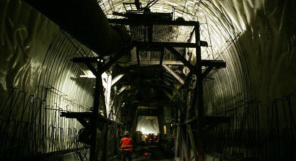 中老鐵路全線隧道實現貫通