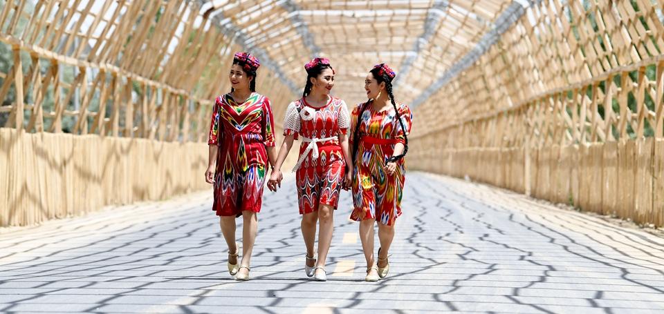 """让世界听到新疆人民的声音——""""中国共产党的故事""""新疆专题宣介会侧记"""