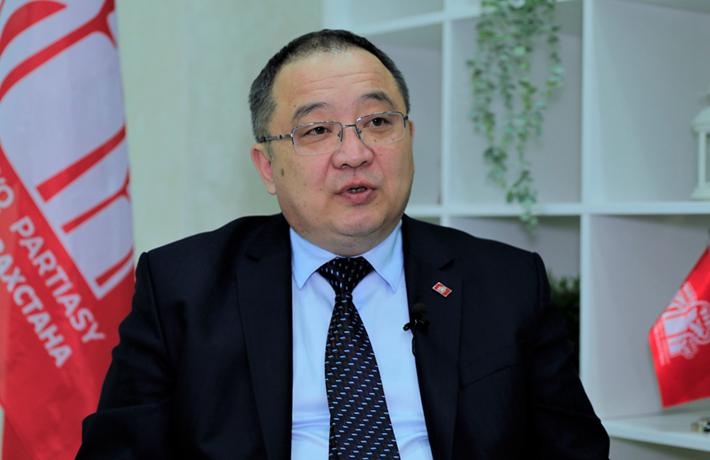 """全球連線丨""""中國共産黨的作用對全人類來説彌足珍貴""""——專訪哈薩克斯坦人民黨中央委員會書記"""