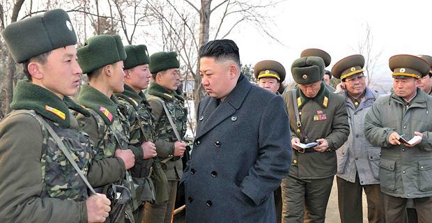 金正恩视察朝鲜人民军第323部队[高清]