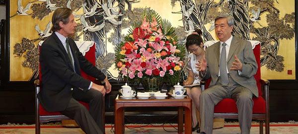 李從軍會見聯合國副秘書長彼德·朗斯基·蒂芬索