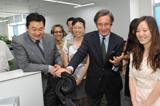 朗斯基與新華網編輯交流