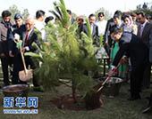 李克強與霍索總理共植友誼樹