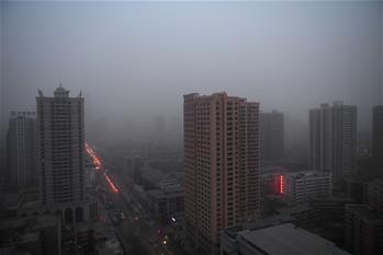 甘肅蘭州遭遇沙塵來襲