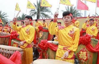 廣西欽州108面煙墩大鼓鬧新春