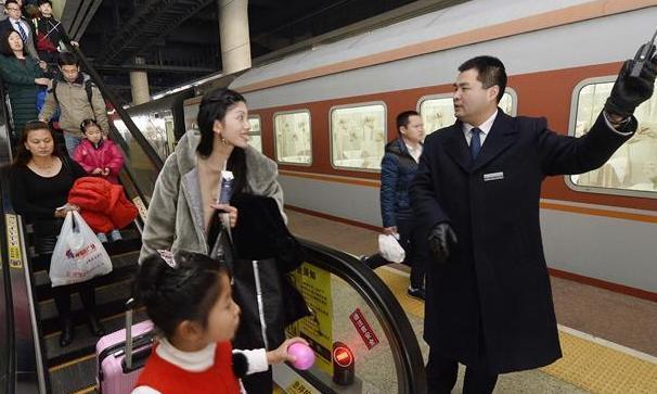 """5199.3萬人次——春節假期鐵路""""有點忙"""""""