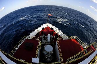 """""""決心""""號抵達南海目標海域 第三次南海大洋鑽探順利開鑽"""