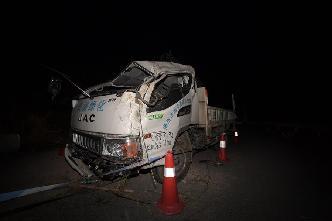 直擊湖南郴州市蘇仙區翻車事故現場