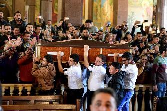 埃及亞歷山大舉行教堂爆炸襲擊遇難者葬禮