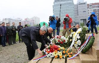 中國駐塞爾維亞大使館悼念邵雲環等烈士