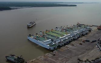 臺風影響減弱 瓊州海峽恢復通航