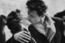 攝影史上經典吻照:吻盡人間悲歡離合