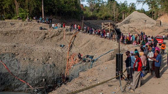 印尼一金礦垮塌致3人死亡、5人失蹤