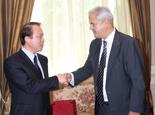新華社總編輯何平會晤羅馬尼亞眾議院副議長訥斯塔塞