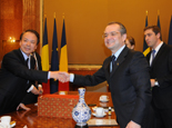 羅馬尼亞總理博克會見新華社總編輯何平