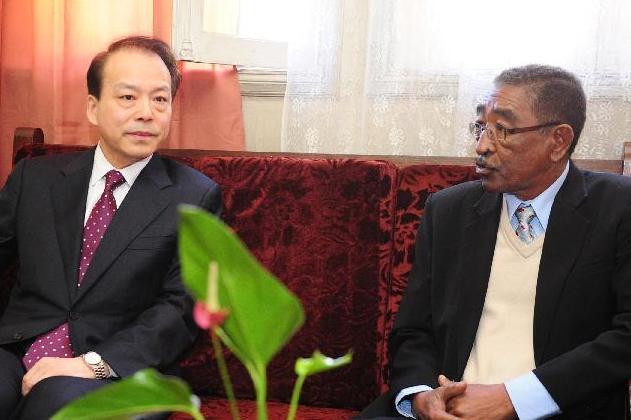 新華社總編輯何平會見馬達加斯加國家通訊社社長