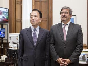 阿根廷新聞國務秘書會見新華社總編輯何平